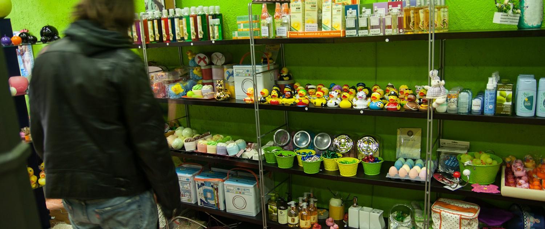 Complementos en la tienda de Enjabonadas en Bilbao